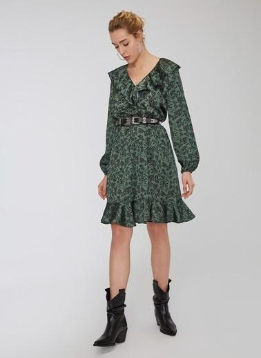 People By Fabrika Yaka Detaylı Desenli Volanlı Elbise Yeşil